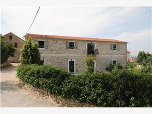 Apartmani Tarragon Ugrinić, Kamena kuća, Kvadratura 60,00 m2, Zračna udaljenost od mora 100 m