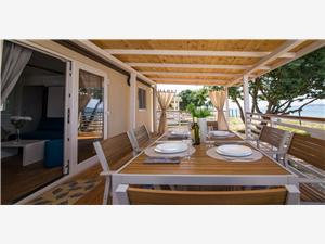 Mobilní dům Frangipani 2 Biograd, Prostor 32,00 m2, Vzdušní vzdálenost od moře 10 m