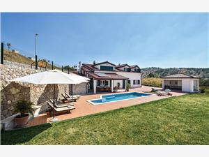 House Villa Svilaja Split and Trogir riviera, Remote cottage, Size 300.00 m2, Accommodation with pool