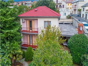 Maison MILENKO Novi Vinodolski (Crikvenica), Superficie 200,00 m2, Distance (vol d'oiseau) jusqu'au centre ville 200 m