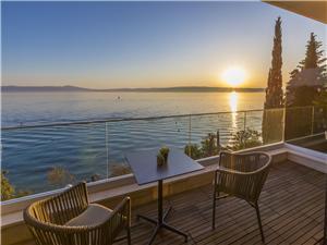 Apartmány DEL MAR 5 Crikvenica, Prostor 76,00 m2, Soukromé ubytování s bazénem, Vzdušní vzdálenost od moře 15 m
