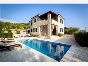 Stenen huize Split en Trogir Riviera,Reserveren Diana Vanaf 589 €