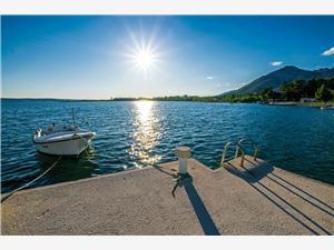 Beachfront accommodation beach Maslenica (Zadar),Book Beachfront accommodation beach From 73 €