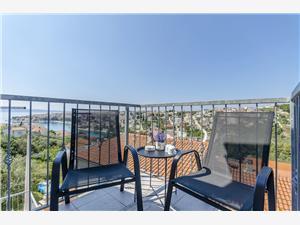 Apartmaji Lorena Okrug Gornji (Ciovo),Rezerviraj Apartmaji Lorena Od 70 €