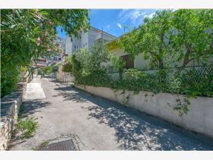 Appartementen Kristina Omis, Kwadratuur 70,00 m2, Lucht afstand tot de zee 250 m