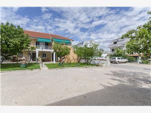 Apartmány Mila II Tribunj, Rozloha 40,00 m2, Vzdušná vzdialenosť od centra miesta 250 m