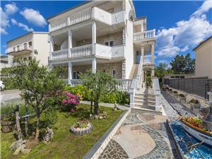 Apartmány Theo Selce (Crikvenica), Prostor 48,00 m2, Vzdušní vzdálenost od moře 220 m, Vzdušní vzdálenost od centra místa 400 m
