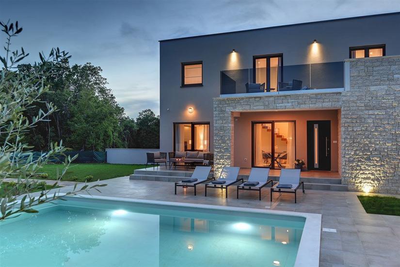 Apartmaji Villa Omnia