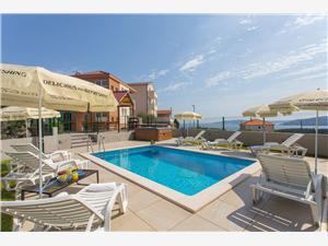 Smještaj s bazenom Split i Trogir rivijera,Rezerviraj Honey Od 2336 kn