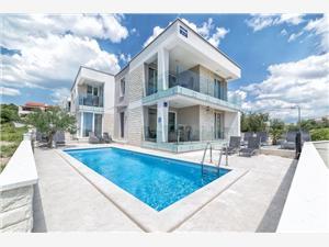 Soukromé ubytování s bazénem M&L Vodice,Rezervuj Soukromé ubytování s bazénem M&L Od 3248 kč