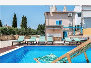 вилла Yasmin Medulin, квадратура 170,00 m2, размещение с бассейном, Воздух расстояние до центра города 1 m