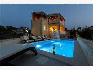 Ház Patria Razanj, Méret 110,00 m2, Szállás medencével, Légvonalbeli távolság 100 m