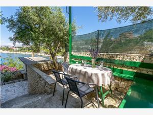 Alloggio vicino al mare Riviera di Spalato e Trogir (Traù),Prenoti Vukorepa Da 102 €