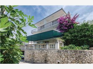 Appartementen Ljubomir Arbanija (Ciovo),Reserveren Appartementen Ljubomir Vanaf 57 €