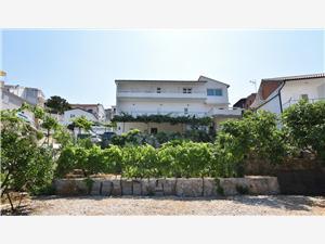 Apartmani i Soba Mate-Mare Primošten, Kvadratura 15,00 m2, Zračna udaljenost od mora 125 m, Zračna udaljenost od centra mjesta 630 m