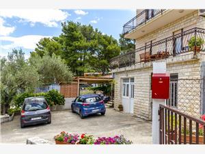 Apartmány Toma Arbanija (Ciovo), Prostor 80,00 m2, Vzdušní vzdálenost od moře 49 m