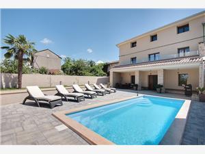 Hébergement avec piscine D&D Svetvincenat,Réservez Hébergement avec piscine D&D De 195 €