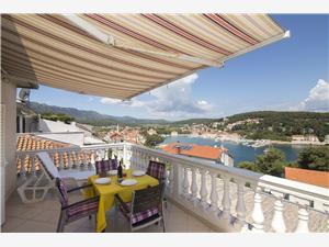 Apartmanok Jakov Jelsa - Hvar sziget, Méret 70,00 m2, Légvonalbeli távolság 200 m, Központtól való távolság 400 m