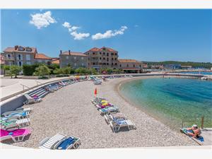 Üdülőházak Közép-Dalmácia szigetei,Foglaljon Ned From 31094 Ft