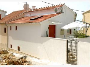 Vakantie huizen Basic Primosten,Reserveren Vakantie huizen Basic Vanaf 428 €