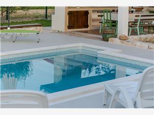 Dům Mia Seget Donji, Kamenný dům, Prostor 80,00 m2, Soukromé ubytování s bazénem