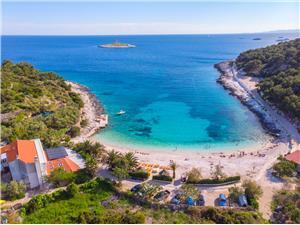 Ferienwohnungen und Zimmer Nikol Die Inseln von Mitteldalmatien, Größe 17,00 m2, Entfernung vom Ortszentrum (Luftlinie) 800 m