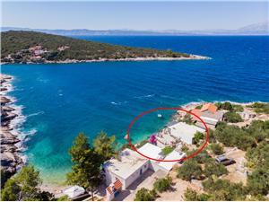 Ferienwohnung Sanka Gdinj - insel Hvar, Haus in Alleinlage, Größe 45,00 m2, Luftlinie bis zum Meer 10 m