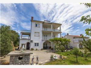 Szoba Nevenka 2 Novi Vinodolski (Crikvenica), Méret 12,00 m2, Központtól való távolság 500 m
