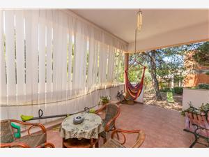 Kuća za odmor Hidden Beauty Žaborić (Šibenik), Kvadratura 200,00 m2, Zračna udaljenost od mora 200 m, Zračna udaljenost od centra mjesta 500 m