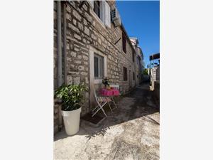 Huis Lotties Stari Grad - eiland Hvar, Stenen huize, Kwadratuur 60,00 m2, Lucht afstand naar het centrum 100 m