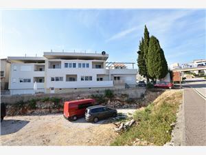 Appartementen Ćurković Primosten, Kwadratuur 55,00 m2, Accommodatie met zwembad, Lucht afstand naar het centrum 440 m