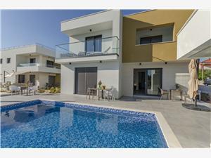 Lägenheter Villa Adriana II Srima (Vodice), Storlek 80,00 m2, Privat boende med pool, Luftavstånd till havet 200 m