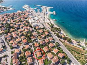 Appartamento Jerka Supetar - isola di Brac, Dimensioni 100,00 m2, Distanza aerea dal mare 70 m, Distanza aerea dal centro città 200 m
