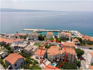 Apartamenty Vlade Sumpetar (Omis), Powierzchnia 50,00 m2, Odległość do morze mierzona drogą powietrzną wynosi 90 m, Odległość od centrum miasta, przez powietrze jest mierzona 20 m