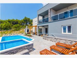 Hébergement avec piscine Sara Dugi Rat,Réservez Hébergement avec piscine Sara De 904 €