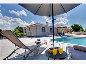 Villa LeMi Rovinj, Prostor 100,00 m2, Soukromé ubytování s bazénem