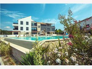 Casa Vižula Medulin, Kvadratura 92,00 m2, Smještaj s bazenom, Zračna udaljenost od centra mjesta 900 m