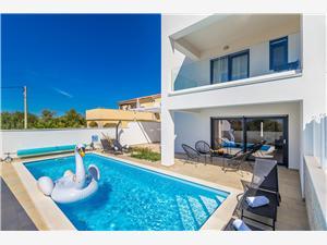 Privatunterkunft mit Pool Die Inseln der Kvarner,Buchen No.1 Ab 464 €