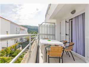 Appartement Lady di Necujam - île de Solta, Superficie 50,00 m2, Distance (vol d'oiseau) jusqu'au centre ville 300 m