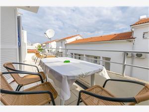 Apartman Lady di Nečujam - otok Šolta, Kvadratura 50,00 m2, Zračna udaljenost od centra mjesta 300 m