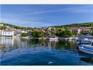 Ferienwohnung Buksa Trogir, Größe 64,00 m2, Luftlinie bis zum Meer 30 m