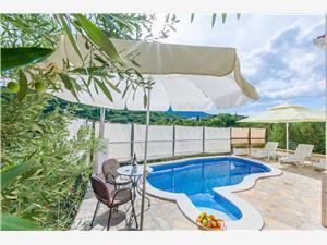 Villa Holiday home Zvečanje Split and Trogir riviera, Stone house, Size 40.00 m2, Accommodation with pool