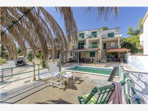 Апартаменты Laguna Stomorska - ostrov Solta, квадратура 50,00 m2, размещение с бассейном, Воздух расстояние до центра города 700 m