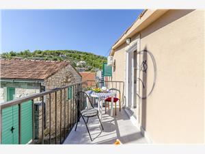 Maisons de vacances Les iles de la Dalmatie centrale,Réservez Pelegrin De 214 €