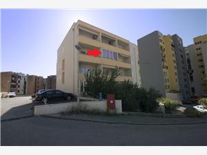 Ferienwohnung Ivan Makarska, Größe 37,00 m2, Entfernung vom Ortszentrum (Luftlinie) 400 m