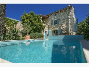 Kwatery z basenem Błękitna Istria,Rezerwuj Annette Od 1473 zl