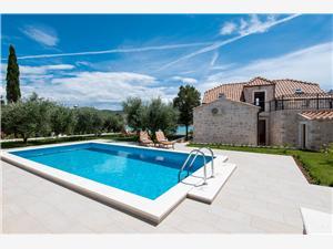 Vila Lovište Pelješac, Kvadratura 135,00 m2, Smještaj s bazenom, Zračna udaljenost od mora 10 m