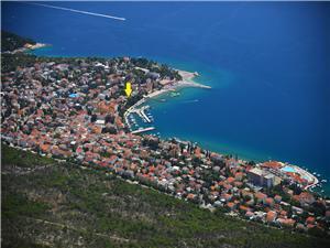 Appartement Edmond Selce (Crikvenica), Superficie 55,00 m2, Distance (vol d'oiseau) jusque la mer 30 m, Distance (vol d'oiseau) jusqu'au centre ville 100 m