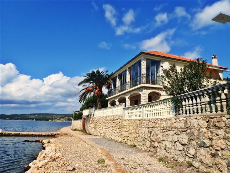 Apartamenty Laura-directly on the beach