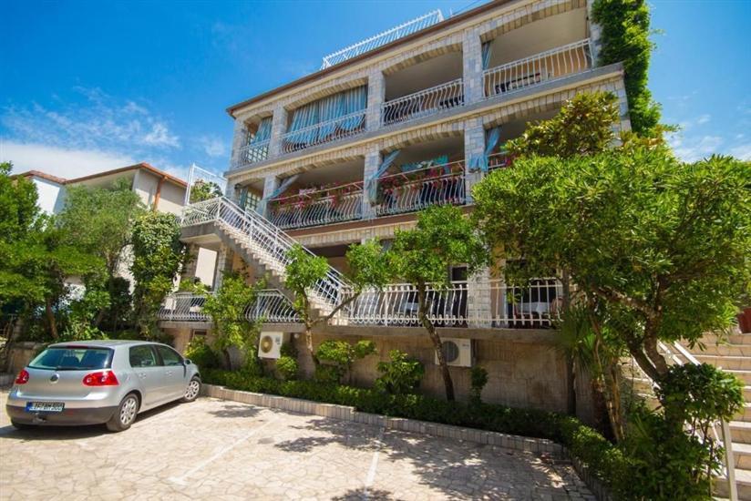 Apartmaji in Soba Mauro